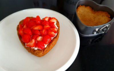 Gezonde strawberry cheesecake ontbijttaart